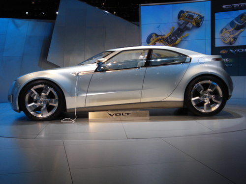 DETAILS ON CHEVY'S 'VOLT' PLUG-IN HYBRID