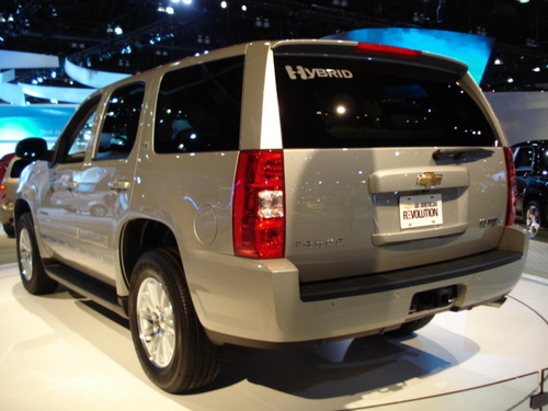 "GM Wins ""Green Car of the Year"" Using New ""Dual Mode Hybrid Transmission"" on Tahoe, Other Trucks"
